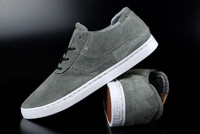 Globe Comanche Low Grey Skate Shoes