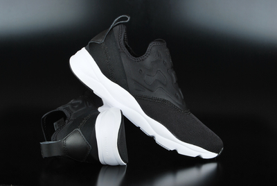 e28899b3bc6 Reebok Furylite Slip Contemporary Black White